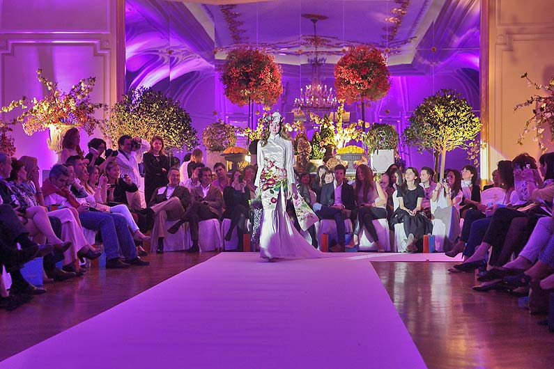 Floreal design for exhibitions, catwalks, shows, ceremonies and special events