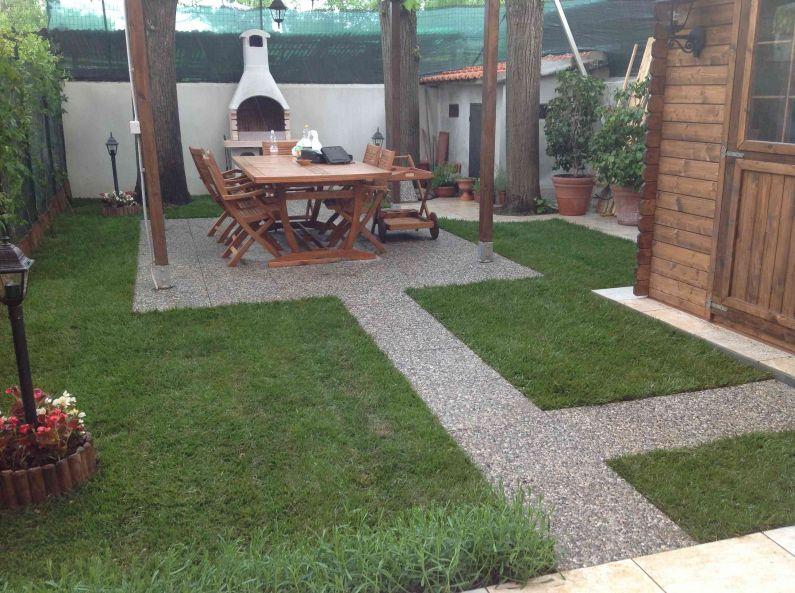 Alcuni esempi di sistemazione di spazzi verdi e terrazzi floreali realizzati da Floricoltura Vannucci